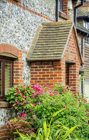 Porch Building in Ingatestone (CM4)